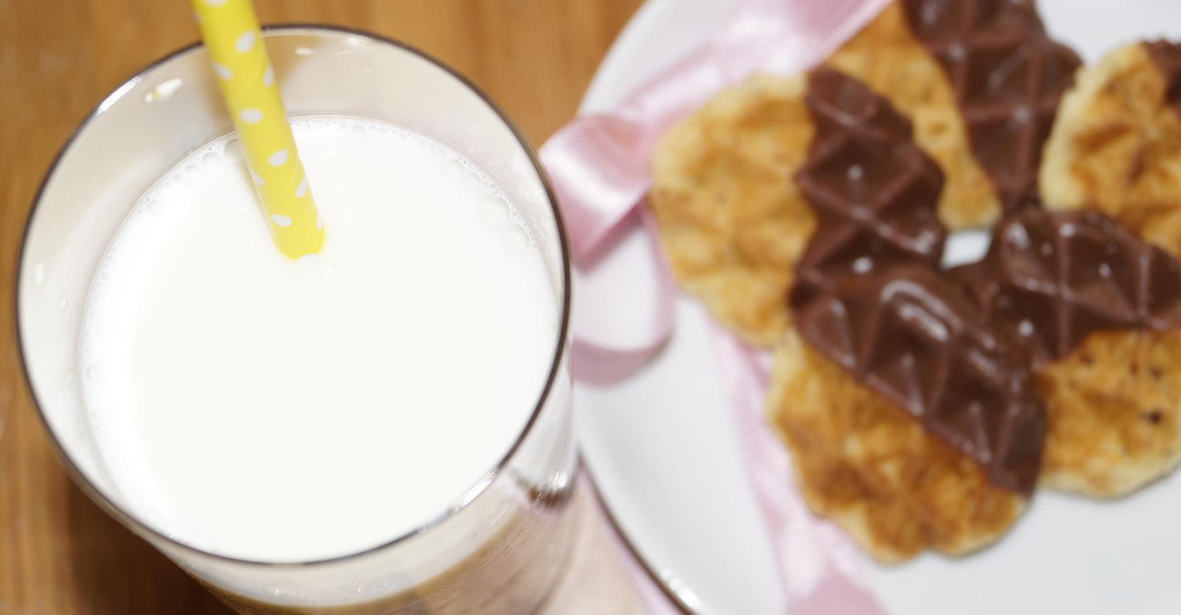 Waffelkekse mit Milch